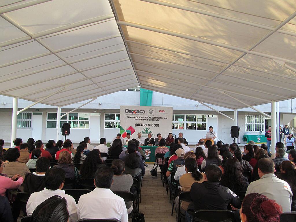 Es para nuestra Universidad Nacionalista México un gusto darles la más cordial bienvenida a los Docentes y Directivos del Instituto de Estudios de Bachillerato del Estado de Oaxaca (IEBO) en la Semana de Formación, Actualización y Capacitación Docente