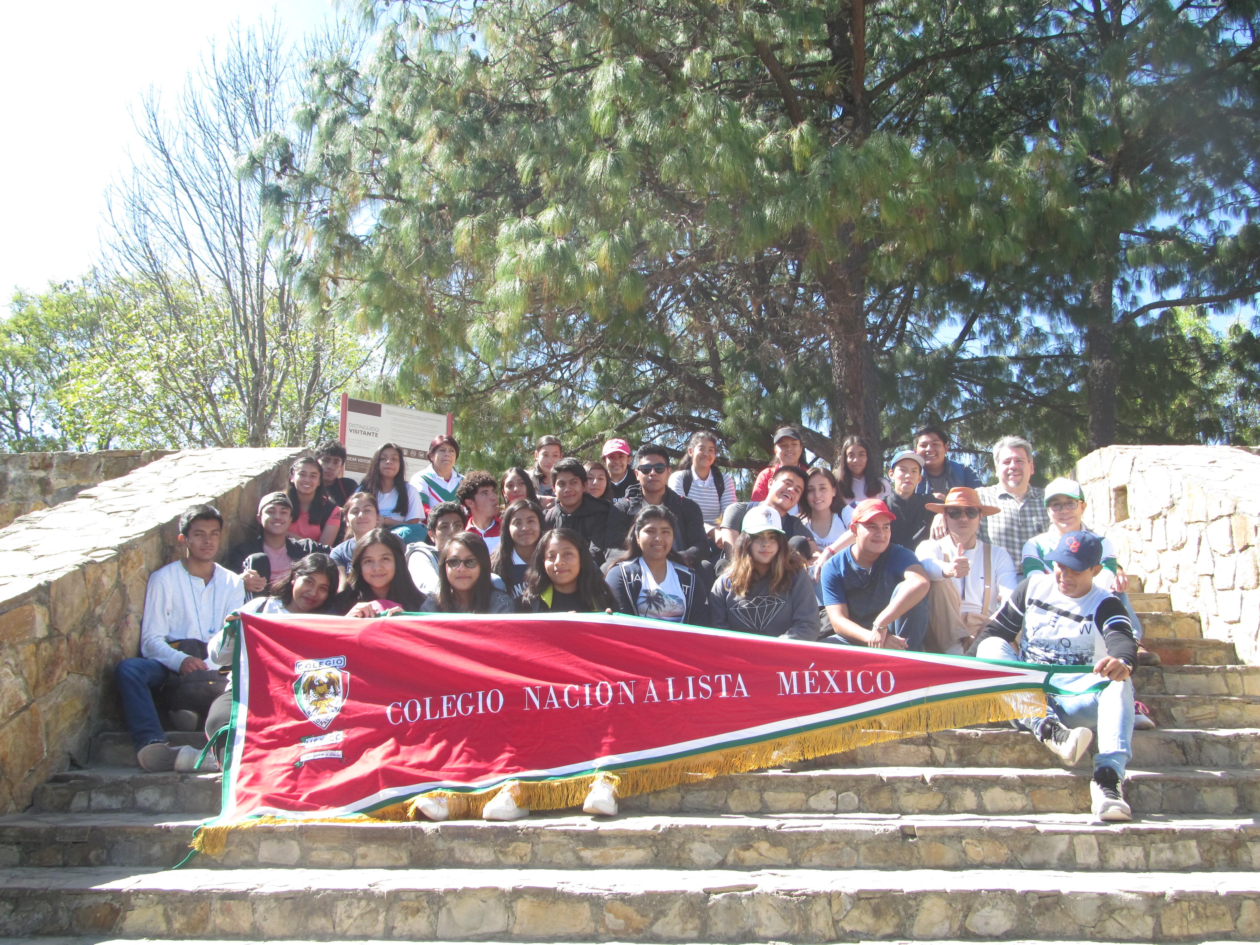 """Excursión escolar a la zona arqueológica de """"Monte Albán"""" Una maravillosa experiencia: académica, cultural y esparcimiento e integración de nuestro colegio."""