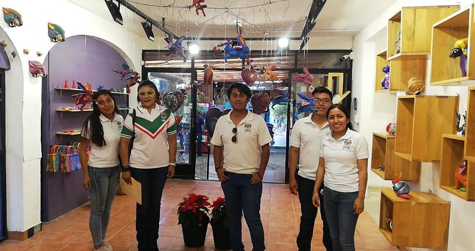 Nuestros estudiantes del tercer semestre de la Licenciatura en Contaduría Pública en Modalidad Escolarizada, realizaron una visita al Taller de Alebrijes