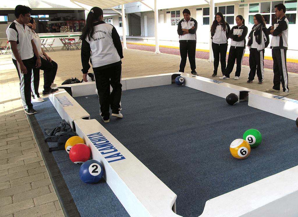 El Colegio Nacionalista México fue partícipe de un juego de Snookball a cargo del Lic. Rodolfo Isaí Santiago García, docente titular de la asignatura Cultura Física y Deportiva