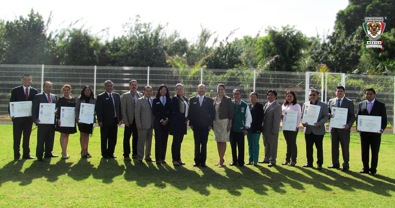 El día 1° de septiembre del año 2018, en las instalaciones de la Universidad Nacionalista México se llevó a cabo la Ceremonia de Entrega de Títulos a nuestros egresados de nivel Licenciatura y Maestría