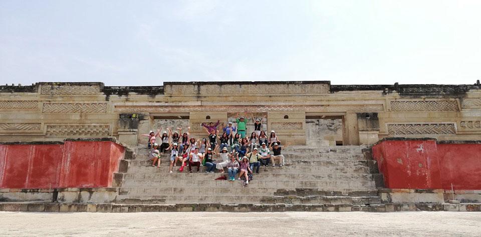 Visita de estudiantes de nuestra universidad hermana, Universidad dolores Hidalgo, en el viaje académico-cultural en Oaxaca.