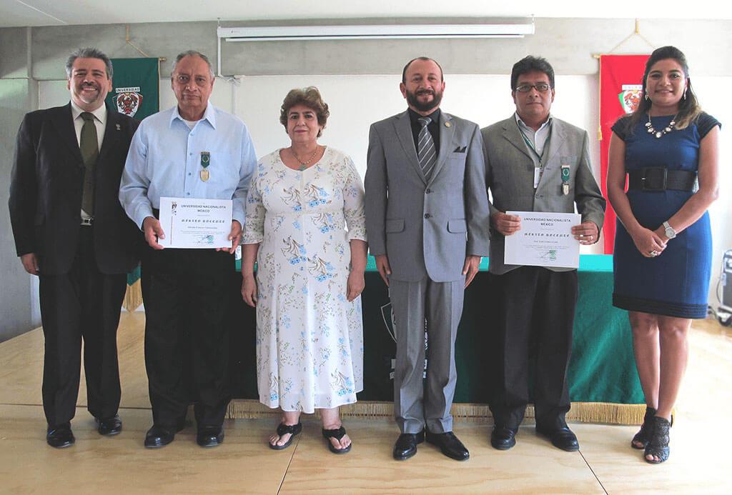 Entrega de DISTINCIÓN AL MÉRITO DOCENTE, a catedráticos de la Universidad Nacionalista México.